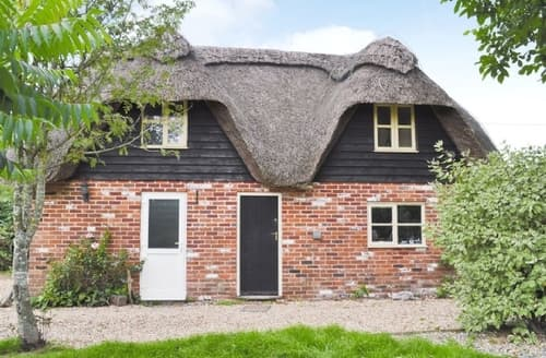 Last Minute Cottages - Captivating Ringwood Cottage S14139