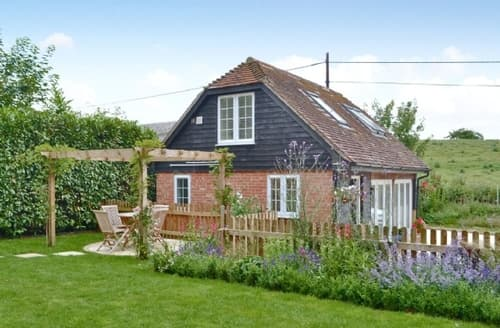 Last Minute Cottages - Beautiful Winchester Cottage S14158