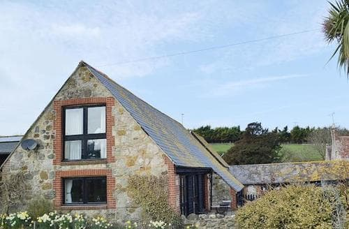 Big Cottages - Charming Brighstone Cottage S14193