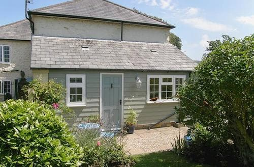 Last Minute Cottages - Little Greybird Cottage