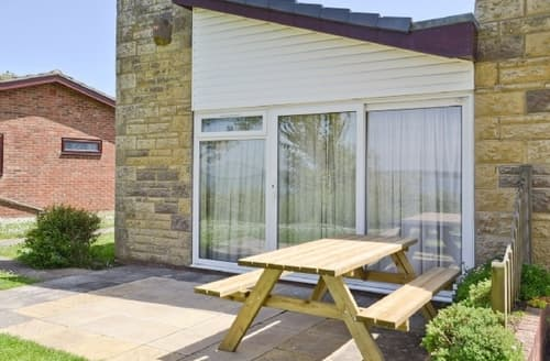 Last Minute Cottages - Cosy Freshwater Cottage S14254