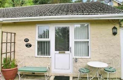 Last Minute Cottages - Cosy Ventnor Lodge S14370