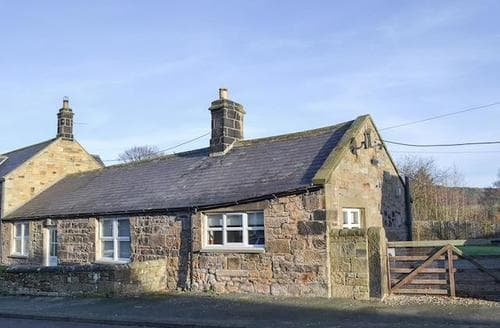 Last Minute Cottages - Cosy Wooler Cottage S74050