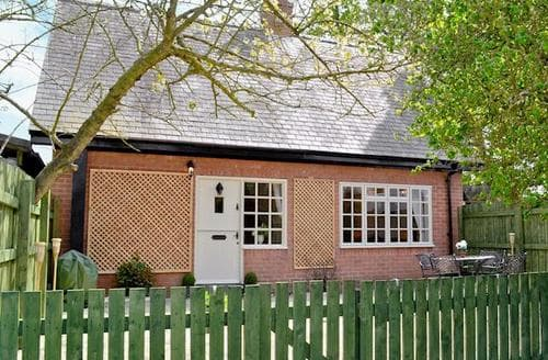 Last Minute Cottages - Tasteful Driffield Cottage S50307