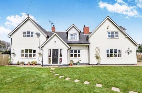 Last Minute Cottages - Wonderful Brompton Cottage S73190