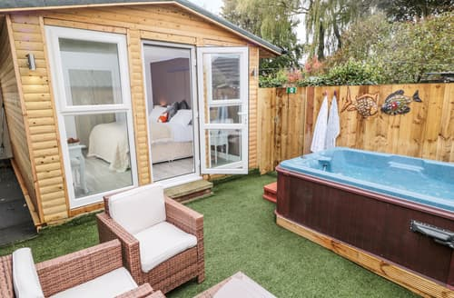 Last Minute Cottages - The Bower