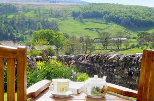 Last Minute Cottages - Adorable Kettlewell Cottage S15218