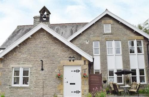 Last Minute Cottages - Cosy Leyburn Apartment S58178