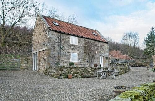 Last Minute Cottages - Tasteful Rosedale Abbey Lodge S73192