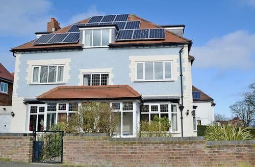Big Cottages - Gorgeous Scarborough Apartment S38143