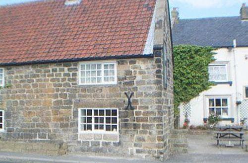 Last Minute Cottages - Beautiful Whitby Cottage S15548