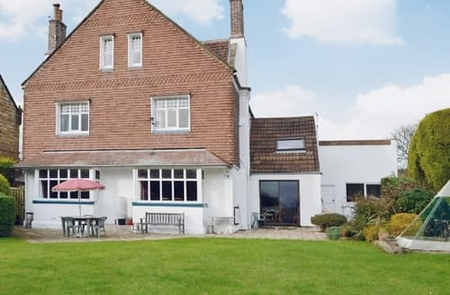 Last Minute Cottages - Luxury Whitby Cottage S15585