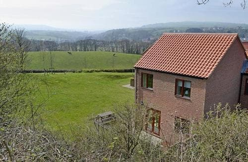 Big Cottages - Adorable Whitby Cottage S49963