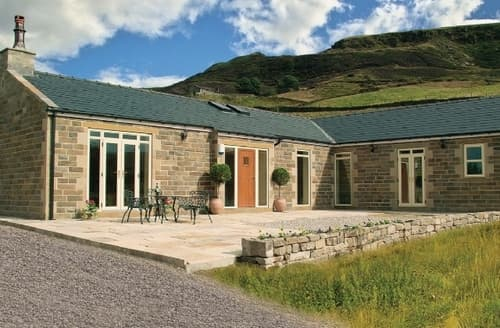 Last Minute Cottages - Lovely Holmfirth Lodge S15654