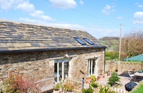 Last Minute Cottages - Captivating Holmfirth Cottage S15667