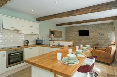 Last Minute Cottages - Inviting Holmfirth Apartment S25455
