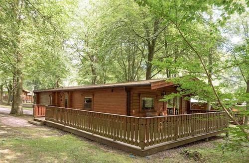 Last Minute Cottages - Excellent Louth Lodge S15801