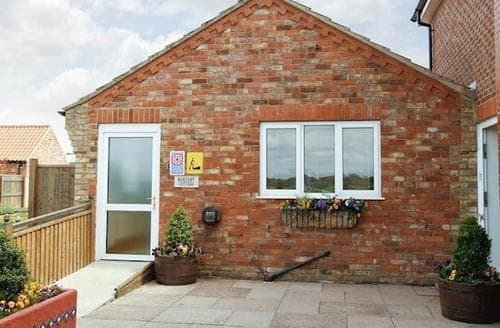 Last Minute Cottages - Delightful Louth Cottage S60257
