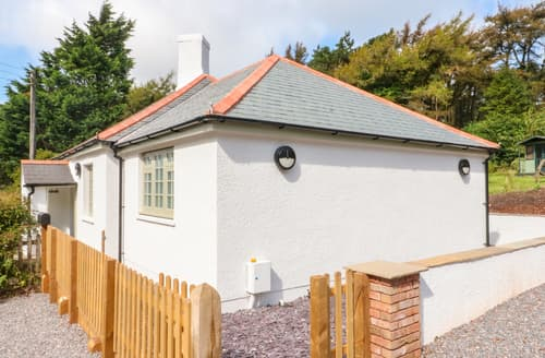 Last Minute Cottages - Yearnor Moor Lodge