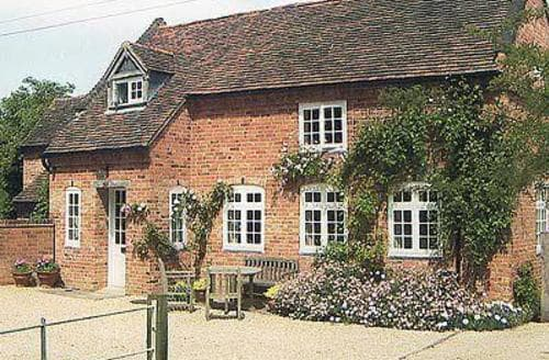 Last Minute Cottages - Beautiful Alcester Cottage S15900