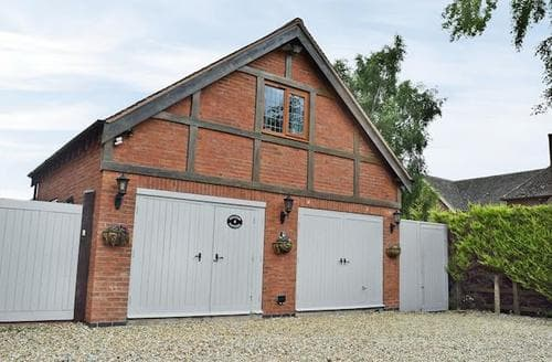 Last Minute Cottages - Exquisite Stratford Upon Avon Cottage S15936