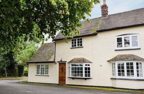 Last Minute Cottages - Adorable Warwick Apartment S15952