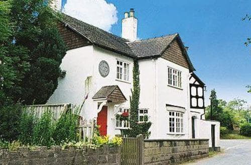 Last Minute Cottages - Inviting Stafford Cottage S16055