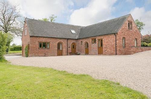 Big Cottages - Exquisite Stafford Cottage S16060