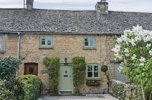 Last Minute Cottages - Beautiful Bourton On The Water Cottage S16088