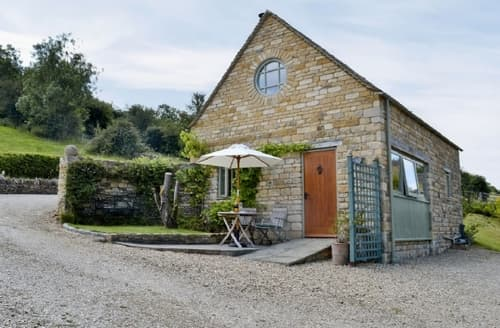 Last Minute Cottages - Attractive Bourton On The Water Cottage S16094