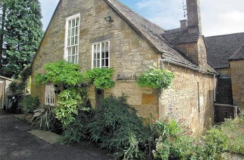 Last Minute Cottages - Inviting Chipping Campden Cottage S16145