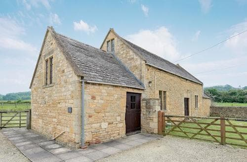 Last Minute Cottages - Beautiful Chipping Campden Cottage S16150
