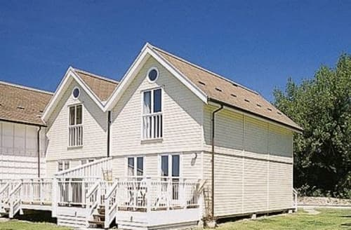 Dog Friendly Cottages - LODGE NO 4