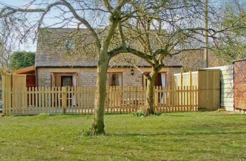 Last Minute Cottages - Adorable Cirencester Cottage S16196