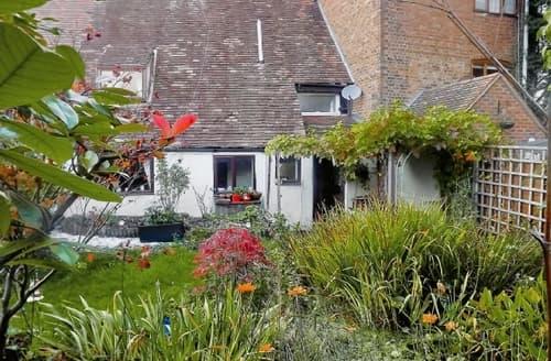 Last Minute Cottages - Splendid Gloucester Cottage S16242