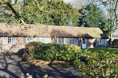 Last Minute Cottages - Adorable Gloucester Cottage S73394