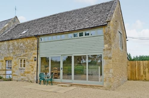 Dog Friendly Cottages - THE TRACTOR SHED