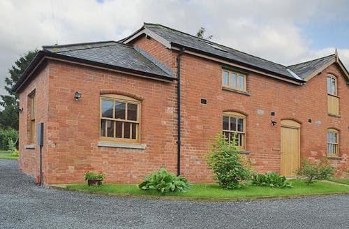 Last Minute Cottages - Beautiful Evesham Cottage S16346