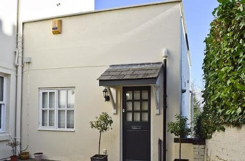 Last Minute Cottages - Charming Malvern Cottage S16357