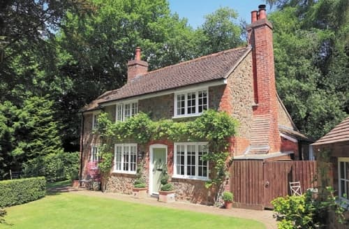 Last Minute Cottages - Wisteria Cottage