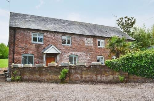 Last Minute Cottages - THE BARN AT ASTLEY TOWN HOUSE