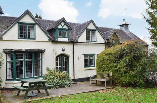 Last Minute Cottages - Superb Ashbourne Cottage S16424