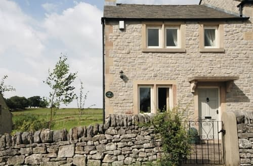 Last Minute Cottages - Beautiful Bakewell Cottage S16447