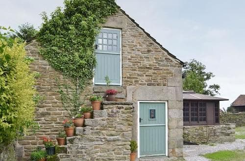 Big Cottages - Delightful Chesterfield Cottage S16538