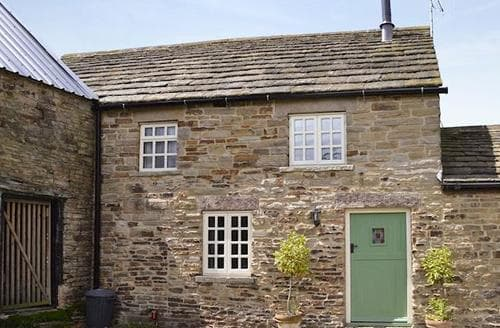 Last Minute Cottages - Lovely Chesterfield Cottage S45150
