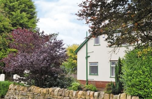 Last Minute Cottages - Charming Chesterfield Cottage S41004