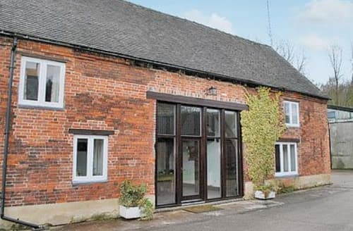 Last Minute Cottages - Inviting Derby Cottage S16557