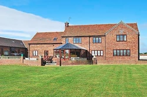 Big Cottages - Luxury Derby Lodge S16560