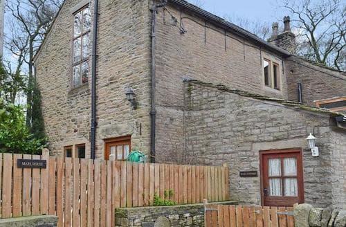 Last Minute Cottages - Wonderful Glossop Cottage S16576