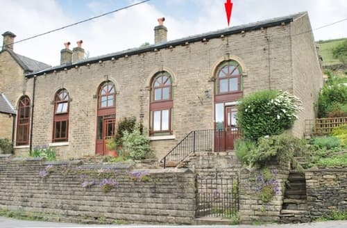 Last Minute Cottages - Lovely Glossop Cottage S16577